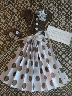 Paper dress card