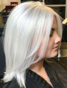 Marshmallow Hair Will Be Your New Favorite Winter Hair Color - Hair - Hair Designs Gorgeous Hair Color, Cool Hair Color, Gorgeous Blonde, Hair Colors, Gorgeous Gorgeous, Medium Hair Styles, Short Hair Styles, Hair Medium, White Blonde Hair
