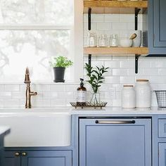 Blue Shaker Kitchen Cabinets with White Subway Tiles Contemporary Kitchen Blue Cabinets Kitchen Shaker subway tiles White Blue Shaker Kitchen, Blue Kitchen Decor, Shaker Kitchen Cabinets, Painting Kitchen Cabinets, Kitchen Paint, White Cabinets, New Kitchen, Kitchen Design, Blue Gray Kitchen Cabinets