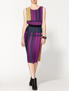 Piperlime | Arleny Colorblock Pleated Dress
