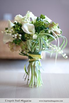 Summer white bridal bouquet