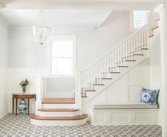This amazing staircase remodel most certainly is an inspirational and perfect idea Small Staircase, Staircase Storage, Staircase Makeover, Staircase Design, Winding Staircase, Staircase Ideas, White Banister, Stair Handrail, Banisters