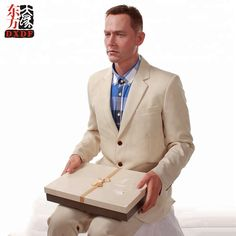 Grand Orient Wax Art is a famous celebrity wax museum in the world, focuses on the best celebrity wax figures and wax museum design and decoration Wax Statue, Wax Art, Wax Museum, Forrest Gump, Fashion, Iconic Makeup, Moda, Fashion Styles, Fashion Illustrations