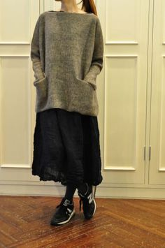 boatneck sweater with slits on the cuffs and sides