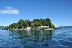 Lago Maggiore, Isole Borromee, view from boat: The Isola Madre