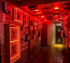Картинки по запросу primeira casa temática da cervejaria Budweiser no mundo