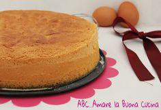 La Base per Torta Sofficissima è una ricetta base, molto simile al Pan di Spagna, ottima per torte multistrato. Si prepara con pochi e semplici ingredienti