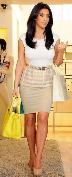 Fashion Is My Drug: Style Icon: Kim Kardashian Kim K Style, Mode Style, Her Style, Looks Kim Kardashian, Kardashian Style, Kardashian Fashion, Beyonce, Rihanna, Traje Casual