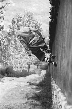 Shaolin Monk Walking on the Wall