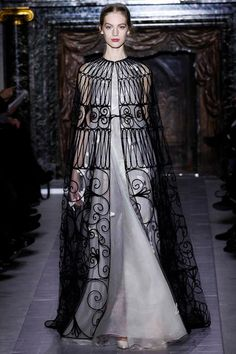 Septa Lemore once aegeon his risen in power   Valentino Spring 2013 Couture - killer cape