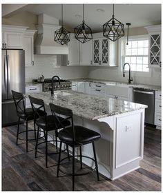 Black And Grey Kitchen, Black Granite Kitchen, White Cabinets White Countertops, White Granite Countertops, White Kitchen Decor, Kitchen Redo, Home Decor Kitchen, Kitchen Interior, Kitchen Remodel