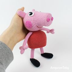 The free Peppa Pig crochet pattern will help you to create a famous cartoon character. The difficulty of amigurumi Peppa Pig crochet pattern is medium. Peppa Pig Crochet, Peppa Pig Doll, Crochet Dolls, Crochet Amigurumi Free Patterns, Free Crochet, Yarn Tail, Crochet For Kids, Crochet Projects, Picnic Recipes