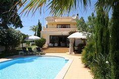 Vila Soalheiro in Carvoeiro, Algarve, Portugal. http://www.micazu.nl/vakantiehuis/portugal/algarve/carvoeiro/vila-soalheiro-6910/