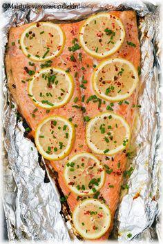 Grillattu lohifilee is part of Food - Fish Recipes, Seafood Recipes, Great Recipes, Favorite Recipes, Manado, Fast Dinners, Easy Meals, Healthy Snacks, Healthy Recipes
