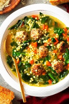 Italian Wedding SoupYou can find Italian soup recipes and more on our website. Italian Soup Recipes, Pasta Dinner Recipes, Easy Pasta Recipes, Wedding Soup, Soups And Stews, Veggies, Ethnic Recipes, Website, Food