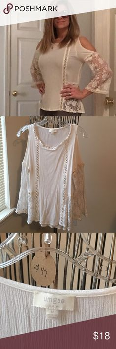 Shoulderless lace detailed top Bought this from online boutique and love it. Only worn twice and received lots of compliments. EUC. Ivory/off white color. Don't have enough places to wear so selling 😔 umgee Tops
