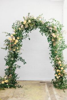 all images by Kate Osborne Making this arch alongside Sarah and then designing this bridal bouquet were definitely highlights of my one-on-one session with her. I have found that this loose, delicate style is what my heart gravitates toward and I just feel in my element (cliche, I know!) w
