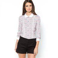 Petite chemise imprimée romantique. Tons clairs pour un printemps léger dans les rues de Paris