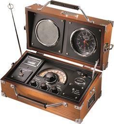 budzik retro Radio AM.FM z budzikiem oraz funkcją drzemki, Retro Radios, Projets Raspberry Pi, Radio Amateur, Poste Radio, Diy Laptop, Old Technology, Old Time Radio, Radio Alarm Clock, Transistor Radio