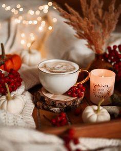 Cream Aesthetic, Aesthetic Coffee, Autumn Aesthetic, Autumn Tale, Autumn Cozy, Coffee Photos, Coffee Pictures, Harvest Time, Fall Harvest