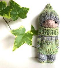 Best Amigurumi Animal And Doll Patterns - Amigurumi Free Patterns knitteddollpatterns - zelzele Knitted Doll Patterns, Knitted Dolls, Knitting Patterns, Crochet Beanie Hat, Knitted Headband, Knit Crochet, Knitting For Kids, Baby Knitting, Free Knitting