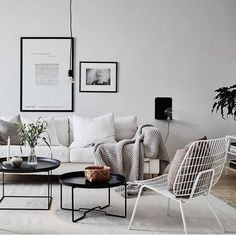 Wishing for a nice living room scandinavian style, and it might be come true by these modern scandinavian living room designs. Scandinavian Decor on a Budget Living Room Grey, Living Room Modern, Living Room Interior, Home Living Room, Living Room Designs, Living Room Decor, Interior Livingroom, Scandi Living Room, Small Living