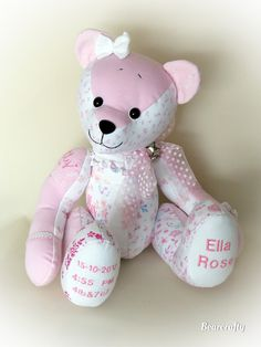 Memory and keepsake bears made by Bearcrafty examples - BearCrafty memorybear keepsakebears and artist collector bears Memory Crafts, Baby Crafts, Small Sewing Projects, Sewing Crafts, Teddy Bear Sewing Pattern, Christmas Teddy Bear, Bear Doll, Stuffed Animal Patterns, Baby Quilts