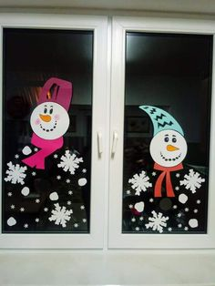Christmas Crafts For Toddlers, Winter Crafts For Kids, Toddler Christmas, Christmas Art, Reindeer Craft, Snowman Crafts, Kindergarten Collage, Candy Cane Crafts, Christmas Window Decorations