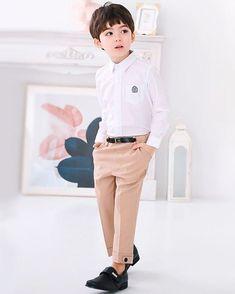 Look at him! Cute Asian Babies, Korean Babies, Asian Kids, Korean Boy, Cute Babies, Toddler Boy Fashion, Toddler Boy Outfits, Kids Outfits, Kids Fashion