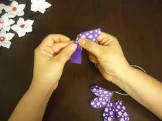 este video te enseña como aprender a elaborar una de las miles de flores que exiten en cinta.  aqui aprenderas a decorar una liga para el cabello de las niñas, jovenes o mujeres que les gusta utilizar accesorios para realzar su belleza.   los materiales utilizados son pocos y economicos.