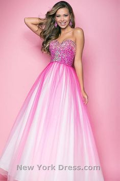 Most Beautiful Homecoming Dresses ★ See more: http://glaminati.com/most-beautiful-homecoming-dresses/