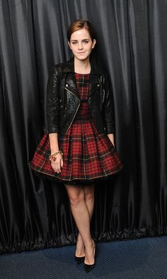 Just when I thought Emma Watson couldn't get any better, she pulls out an outfit like this <3 Lovelovelove!
