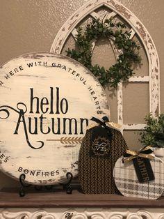 Chalk Crafts, Decor Crafts, Seasonal Decor, Fall Decor, Holiday Fun, Festive, Fall Projects, Happy Fall Y'all, Fall Signs