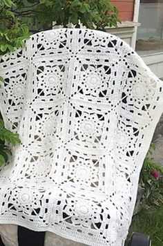 [Free Crochet Pattern] This Luxurious Afghan Is Easier Than You Think!