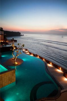 A lovely view of the #Anantara Bali Uluwatu Resort & Spa #pool in the beautiful evening light of #Indonesia