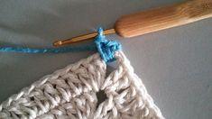 TAPETE RETANGULAR RENDADO EM CROCHÊ COM PASSO A PASSO Diy And Crafts, Marie, Jewelry, Crochet Rug Patterns, Crochet Doily Rug, Totes, Needlepoint, Blue Prints, Life