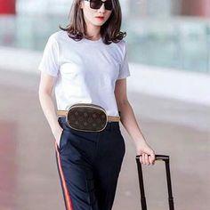 Korean Bags, Facebook, Leather, Fashion, La Mode, Fashion Illustrations, Fashion Models