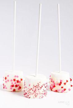 marshmallow pops how to. // armelle blog
