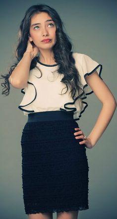 Turkish Actress, Neslihan Atagül . Prettiest Actresses, Exotic Women, Turkish Beauty, Turkish Actors, Celebs, Celebrities, Pretty Outfits, Lace Skirt, Style Me