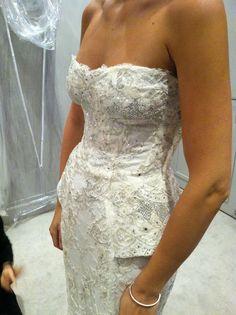 Monique Lhuillier 'Opulence' New Wedding Dress Size 6 - Nearly Newlywed
