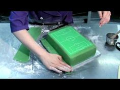 How to make a football pitch cake. A detailed tutorial showing you how to create the perfect football pitch cake and decorate with goal posts and players. Football Pitch Cake, Football Field Cake, Football Cakes, Field Hockey, Hockey Cakes, Soccer Cake, Soccer Party, Cake Decorating Supplies, Cake Decorating Tutorials