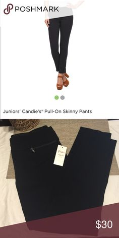 Candies skinny pants NEW with tags Black candies skinny ankle pants new with tags Candie's Pants Ankle & Cropped