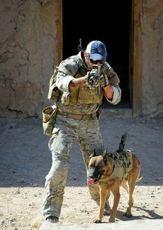 Part Australian Special Forces HQ Photos) Military Working Dogs, Military Dogs, Police Dogs, Military Service, Military Police, Military Weapons, Army, Malinois Dog, Belgian Malinois