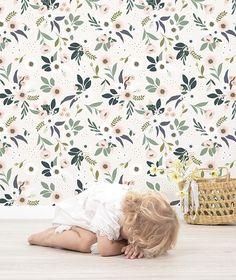 Papier peint fleurs fond rose pâle- décoration enfant - LILIPINSO