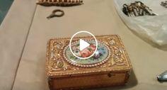 Veja o Que Acontece Quando Se Abre a Tampa Desta Bonita Caixa Com 200 Anos