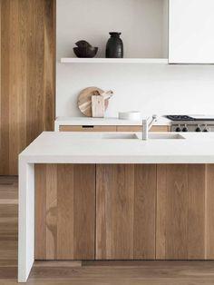 Modern Kitchen Interior White and wood contemporary kitchen inspiration Best Kitchen Designs, Modern Kitchen Design, Interior Design Kitchen, Minimal Kitchen, Farmhouse Interior, Modern Design, Interior Plants, Farmhouse Design, Country Farmhouse