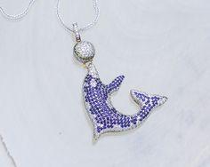 Niespotykany wzór zawieszki: delfin wysadzany kolorowymi kamieniami.  #gold #diamonds #diamenty # kolorowekamienie #delfin #zawieszka