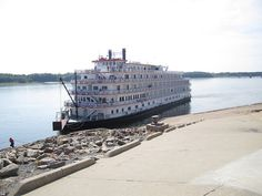 Queen of Mississippi docked at Cape Girardeau, 8-30-12 by Cape Girardeau Convention and Visitors Bureau, via Flickr #mississippi #river #visitcape