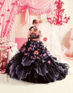 Black Balloon Wedding Dress with Flower Motif http://haveheartdaily.com