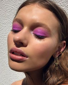 creative makeup – Hair and beauty tips, tricks and tutorials Makeup Trends, Makeup Inspo, Makeup Art, Beauty Make-up, Beauty Hacks, Hair Beauty, Makeup Goals, Makeup Tips, Makeup Ideas